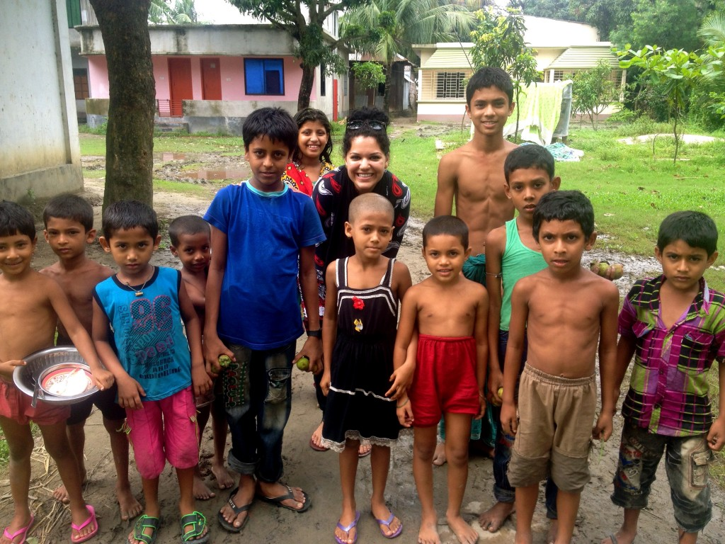 Fulbright-Clinton Fellow Roushani Mansoor with  local children in Comilla, Bangladesh