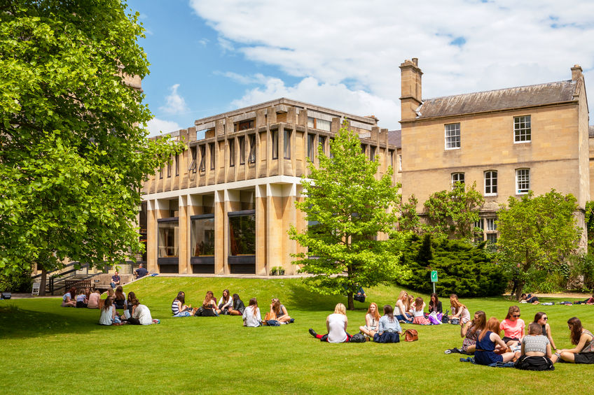 24 Fellowships in the UK for Graduates and Researchers